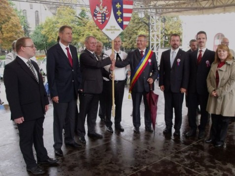 Ehrengäste beim 20. Sachsentreffen in Bistritz