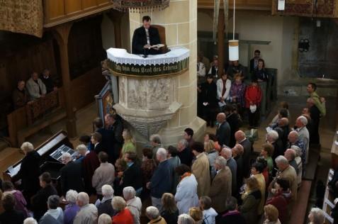 Pfarrer Johann Zey aus Sächsisch-Regen hielt die Festpredigt.