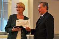 Dr. Susanne Kastner erhielt Honterus-Medaille des Siebenbürgenforums